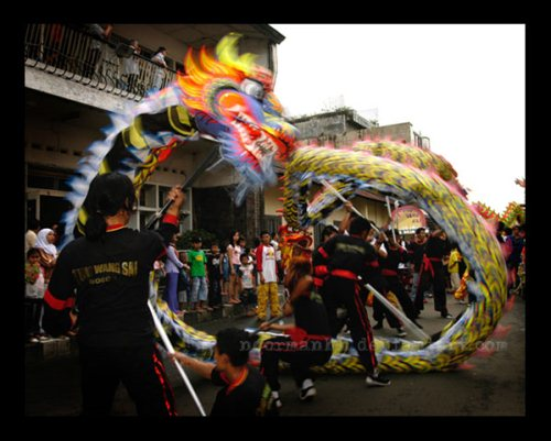 Cap Gomeh dragon dance at Imlek