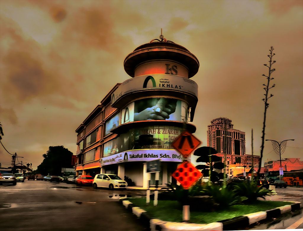 Kota Bharu at dusk, By: Azranx