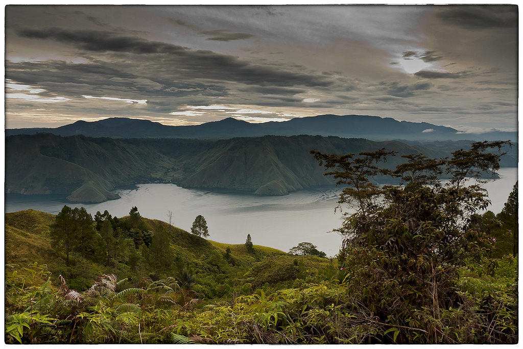 Enchanting Lake Toba, By: Widakso