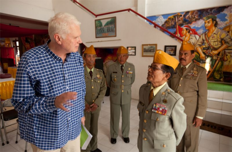 Van Dis meets up with Indonesian veterans