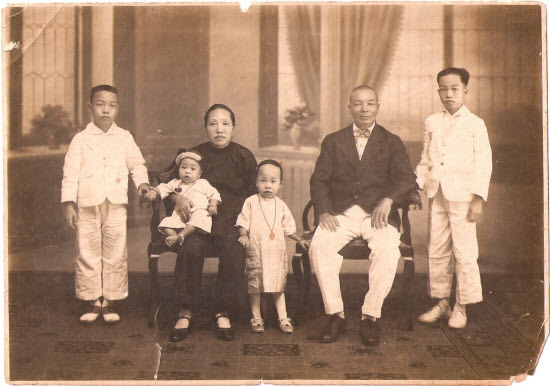 Bernice Chauly's family in Ipoh in the 1920s