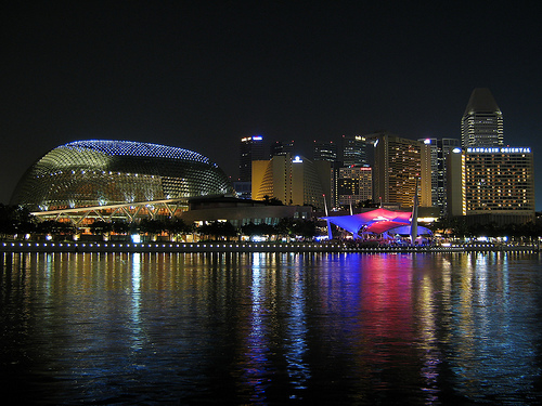 The Marina bay in Singapore, By: yeowatzup