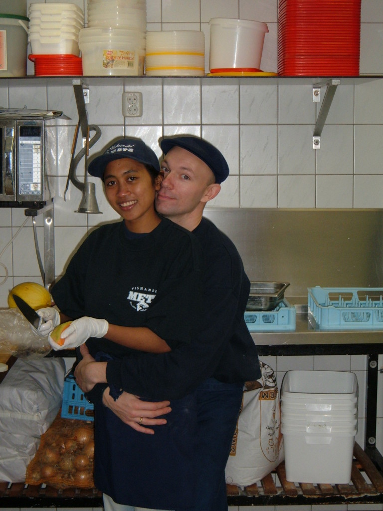 Gerard and Komang met on Bali and moved to Ameland, where they work in a fish shop.