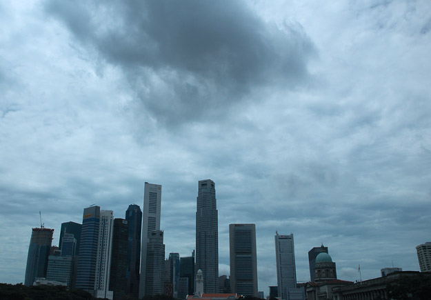 Rain clouds over Singapore, By: Koshyk