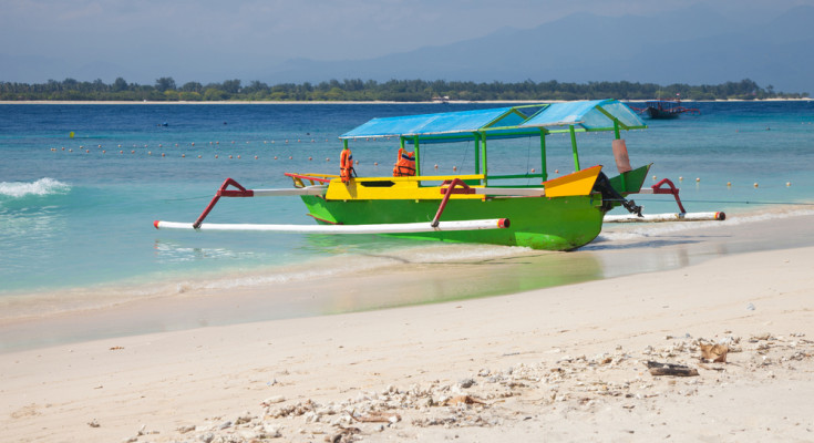 Salty water, travels in Lombok - Latitudes