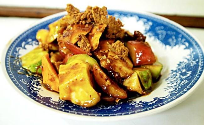 Rujak, favorite street food Indonesia