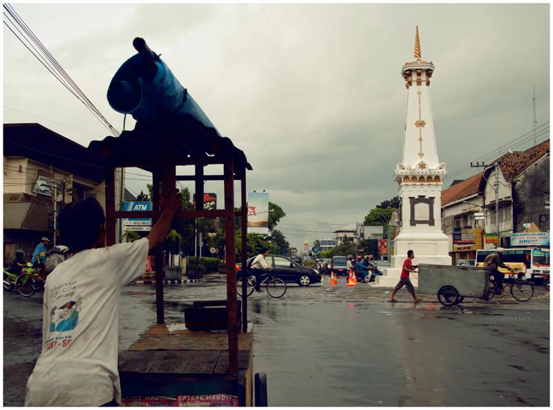 A seller pushing his food cart, By: Dalih Sembiring