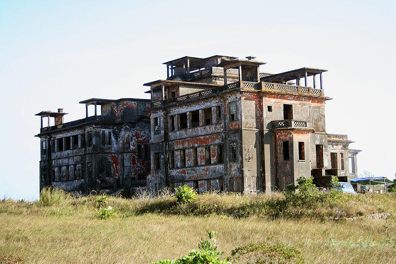 Bokor_palace_hotel_Cambodia Matt Connolley