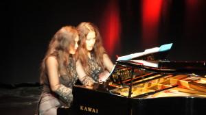Sungkono sisters piano duo