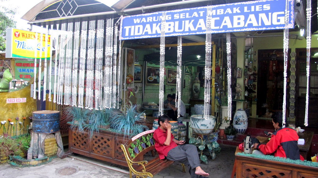 Mbak Lies' place is an icon in Solo, By: Putri Fitria