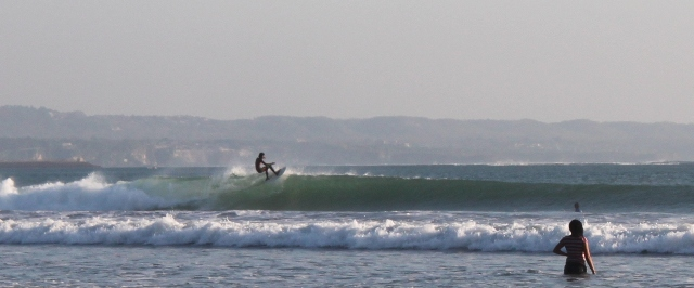 Decent waves at Kuta beach, By: Prima Ayu