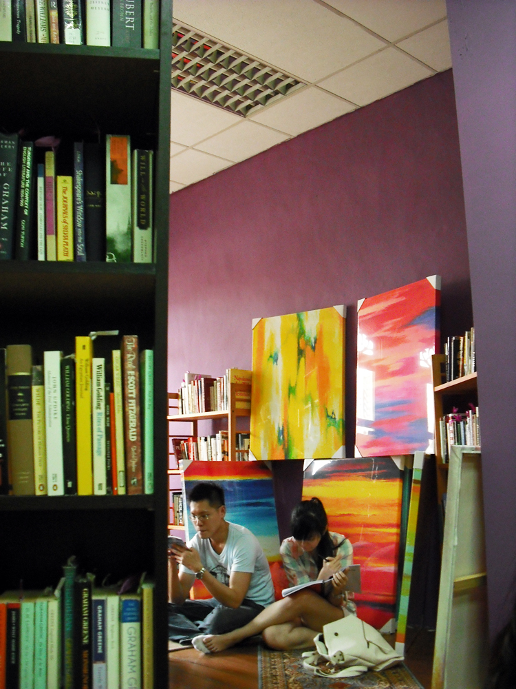 Multi-functional space characterizes GOHD as an alternative bookstore, By: Wai