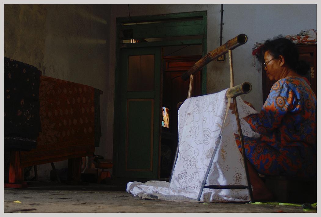 Home production of batik in Lasem, By: Labodalih Sembiring