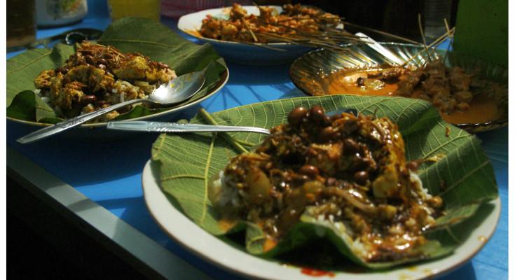 Nasi tahu and Sate Srepeh at Pak No's eatery, By: Labodalih