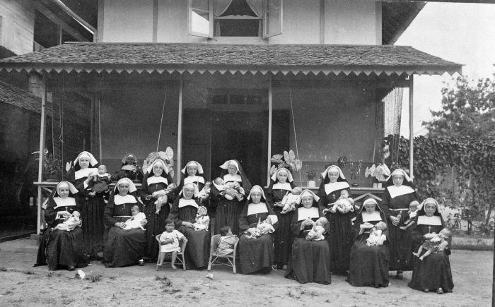 Roman Catholic nuns at an orphanage in Singkawang, West Kalimantan. Ca. 1915-1935