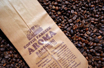 Aroma's authentic packaging, By Andri Suryo 500