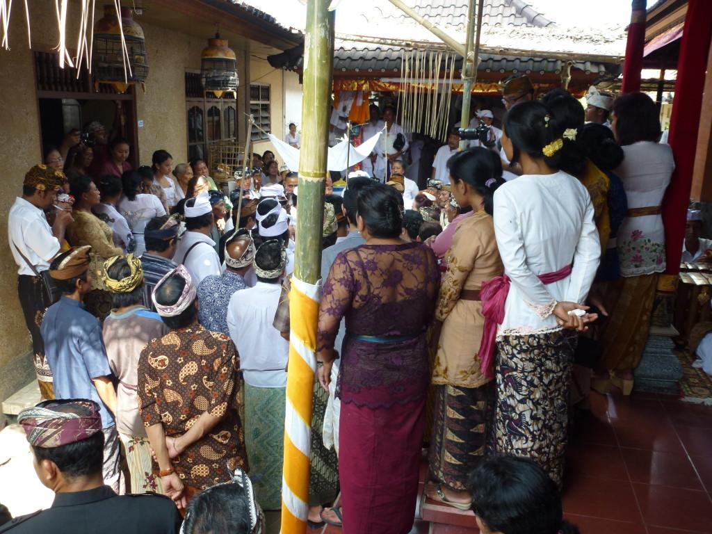Death is a shared experience on Bali, By: Sita van Bemmelen