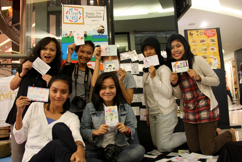 College students proudly show their postcards - doc CtP