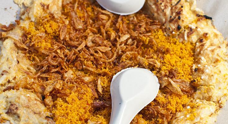 Ready-to-be-eaten Kerak Telor, by: Rani Yunus
