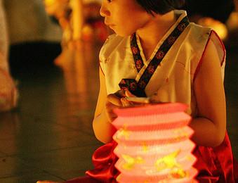 Malaysian children celebrating the Mooncake Festival, By: Shamshahrin Shamsudin