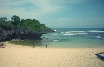 The picturesque beach of Ngandong, By: Dorothea Gecella Putri Lestari