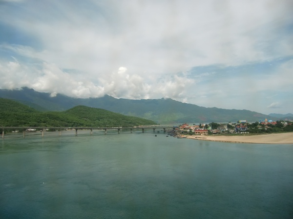 Views from the train in Vietnam, By: Ate Hoekstra