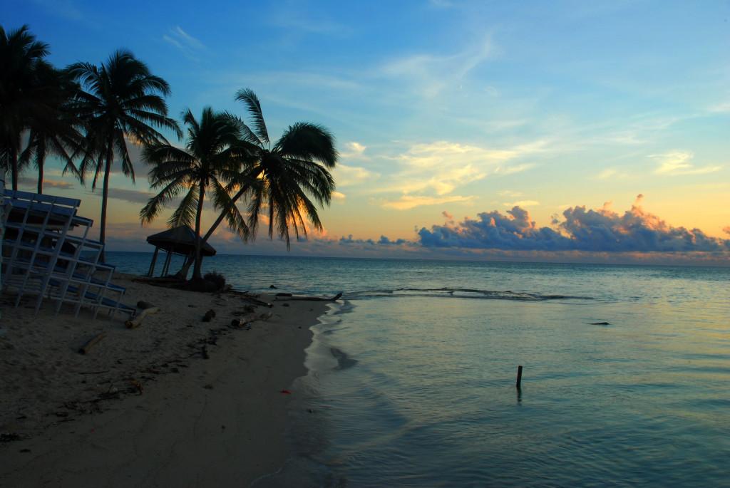 Derawan island beach, By: Ario Triwibowo