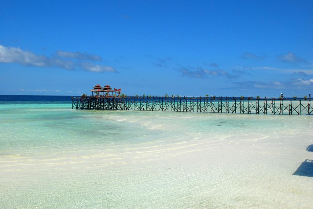 Maratua Beach and Resort, By: Ario Triwibowo