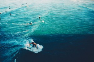 waves-surfing-surfers